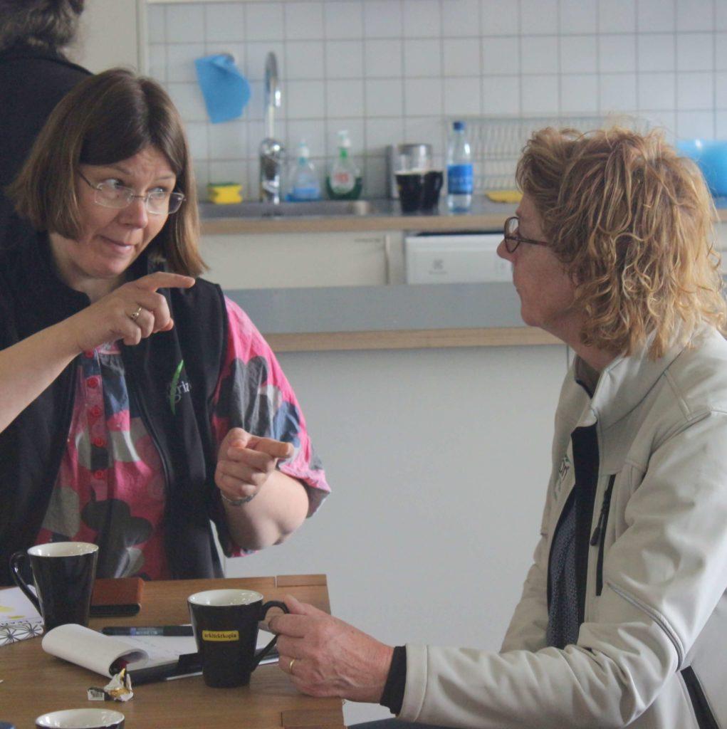 Lean Farming coaching - Susanne Pejstrup listening. International Lean Farming Discussion Group visiting Sweden